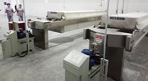 湖南某医药有限公司嵌入式压滤机使用现场